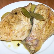 Kapr s bramborovými plátky v alobalu recept
