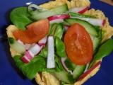 Polníčkový salát v sýrové mističce recept