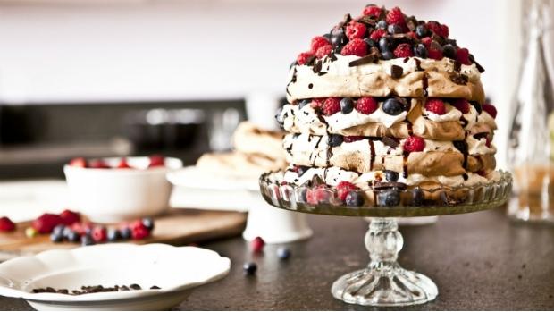 Čokoládovo-malinový dort Pavlova