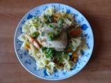 Dušené kuřecí špalíky s těstovinami recept