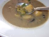Houbová polévka s pórkem, brokolicí a řapíkatým celerem recept ...