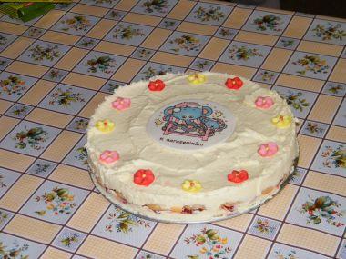 Nepečený dort se zdobením