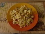 Těstovinový salát s kuřecím masem a ananasem recept ...