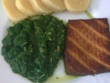 Špenát s uzeným tofu