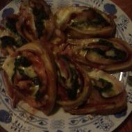 Špenátovo-slaninové motance z listového těsta recept
