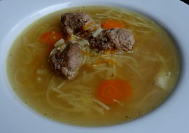 Slepičí polévka  pařátová recept