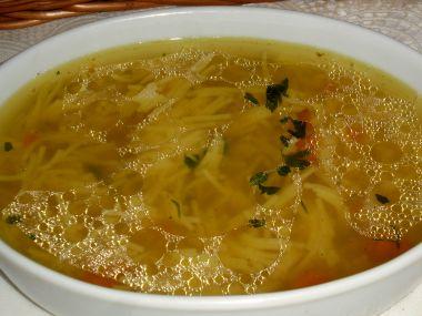 Polévka z husích drobů s nudlemi