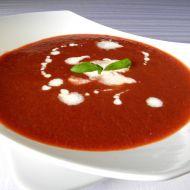 Pikantní polévka z červené řepy a rajčat recept
