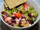 Brokolicový salát s červenou řepou, vejci a cottagem recept ...