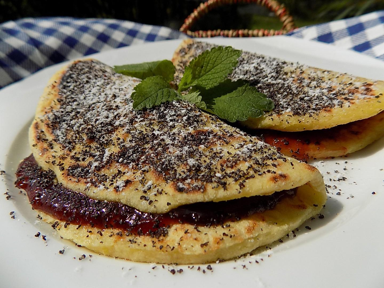 Bramborové placky se švestkami a mákem recept