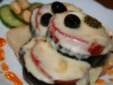 Pikantní lilek s marinovanou mozzarellou recept