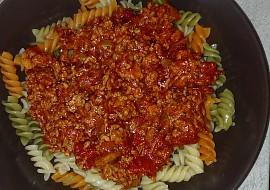 Těstoviny s mletým masem a rajčatová omáčka recept