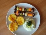 Masozeleninové grilované špízy s brokolicovým dipem recept ...