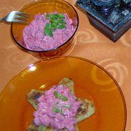 Salát z červené řepy s ořechy recept