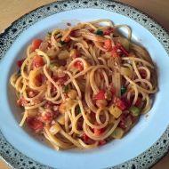 Špagety s rajčaty a cuketou recept