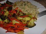 Česnekový bulgur s pečenou zeleninou recept