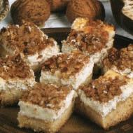 Tvarohový koláč s ořechy a skořicí recept