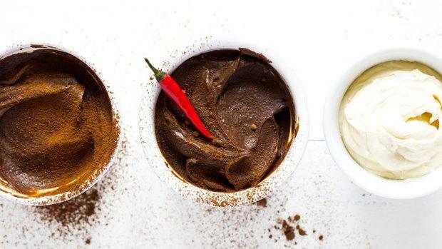 Čokoládová pěna s chilli