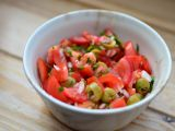 Rajčatový salát s olivami recept