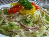 Zelný salát s cibulí a křenem recept