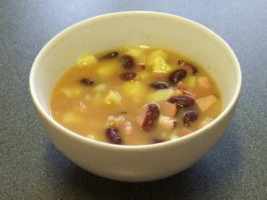 Staročeská luštěninová polévka