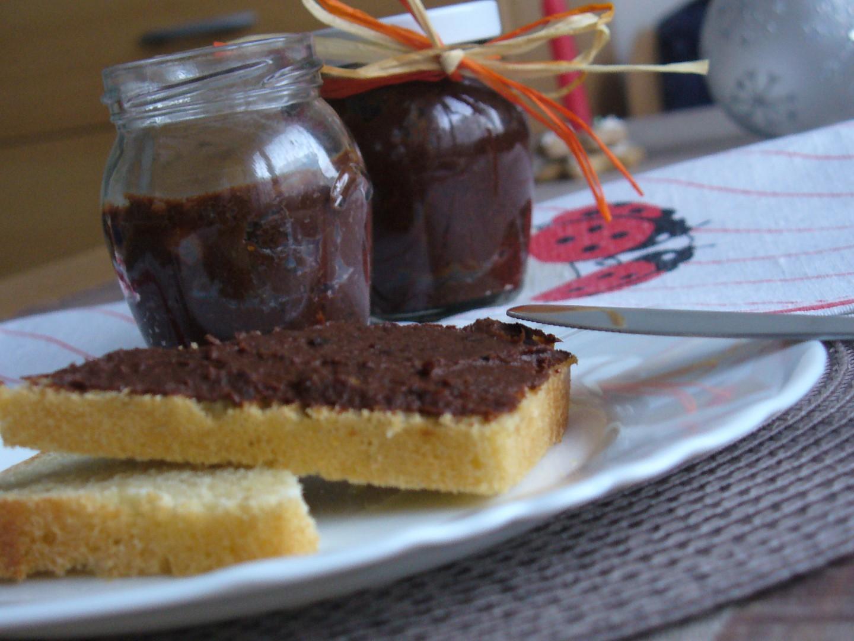 Datlovo-švestková pomazánka s čokoládou recept