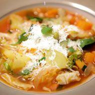 Hřejivá polévka minestrone recept