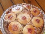Obrácený jablečný koláč s ořechy recept