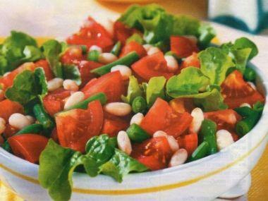 Rajčatový salát s fazolkami
