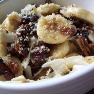 Banánový salát se sušeným ovocem recept