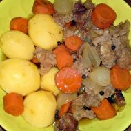 Karjalanpaisti  Karelské maso recept
