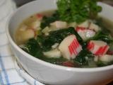 Rychlá a dietní polévka se špenátem a krabími tyčinkami recept ...