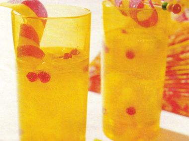 Ovocný koktejl s ananasem