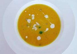Mrkvová polévka s pomerančem recept