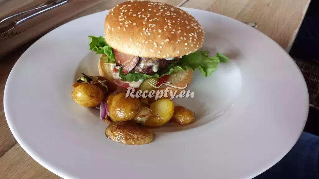 Domácí kuřecí hamburgery recept  drůbeží maso