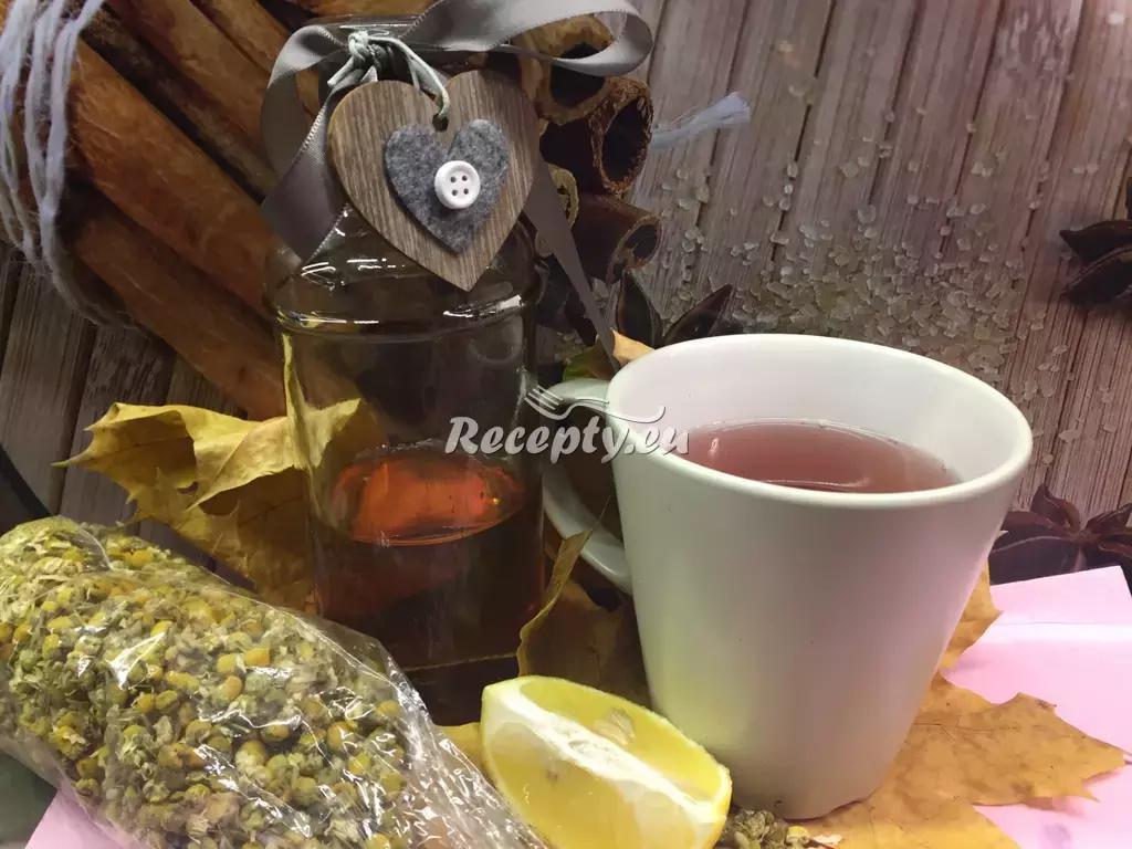 Sedmikráskový čaj pro odkašlávání recept  teplé nápoje