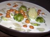 Sýrovosmetanová polévka s kapustičkami a bramborami recept ...