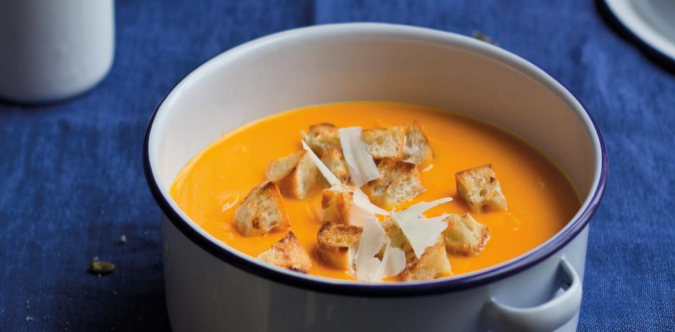 Polévka z pečeného česneku a dýně
