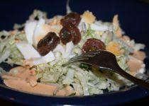 Míchaný salát s masem a ořechy recept