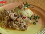 Pikantní kuřecí maso s čínským salátem recept