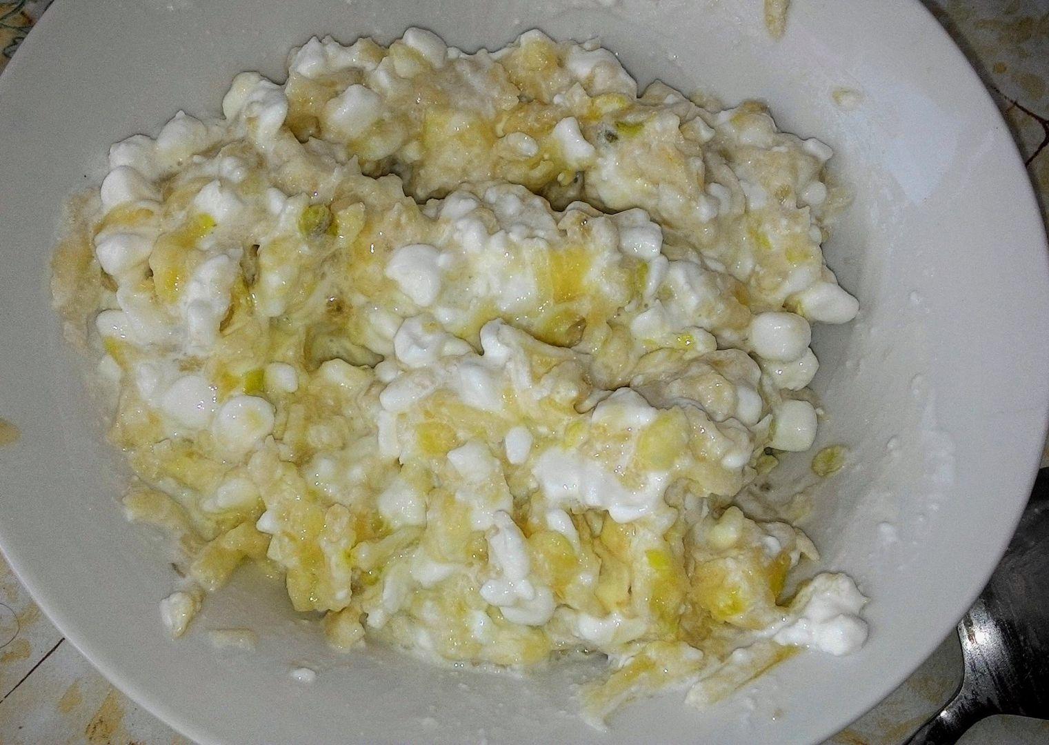 Cottage s banánem a jablkem recept