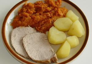 Kapustová kaše s vepřovým masem + polévka