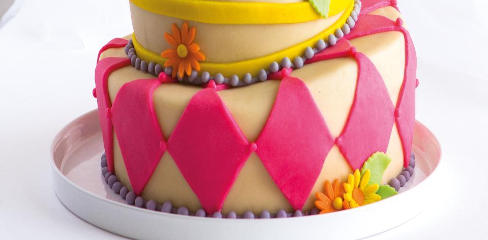 Hravý svatební dort