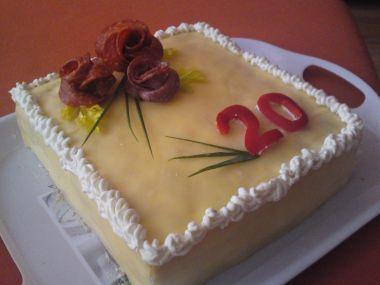Sýrovo-šunkový dortík