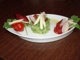 Okurkový tatarák s chorizem recept