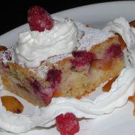Ovocný koláč se zakysanou smetanou recept