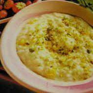 Rýžová kaše s citronem a pistáciemi recept