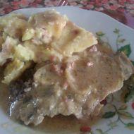 Pečená krkovice s hořčičnou omáčkou a šťouchanými brambory ...