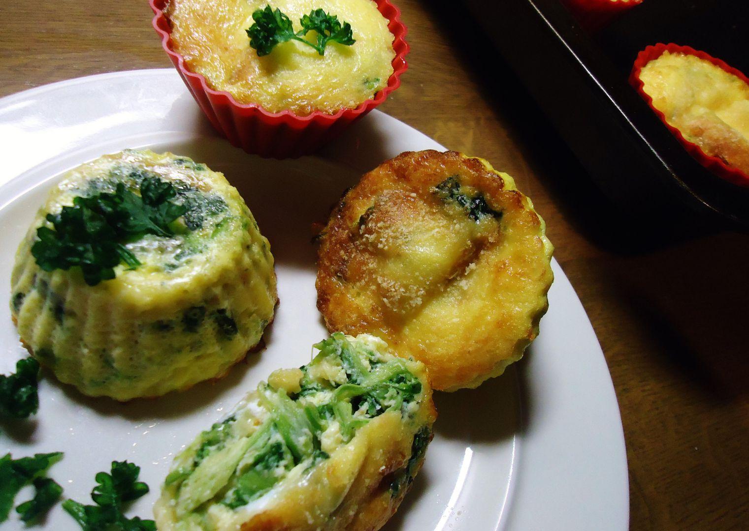 Špenátové košíčky s vejcem a sýrem recept