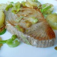 Steak z tuňáka s bylinkami recept